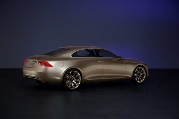 Volvo Launches Concept Car Universe-6