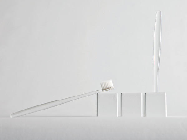 Charcoal Sanitizer for Toothbrush by Tae Myoung Yoon & Sang Hoon Kim