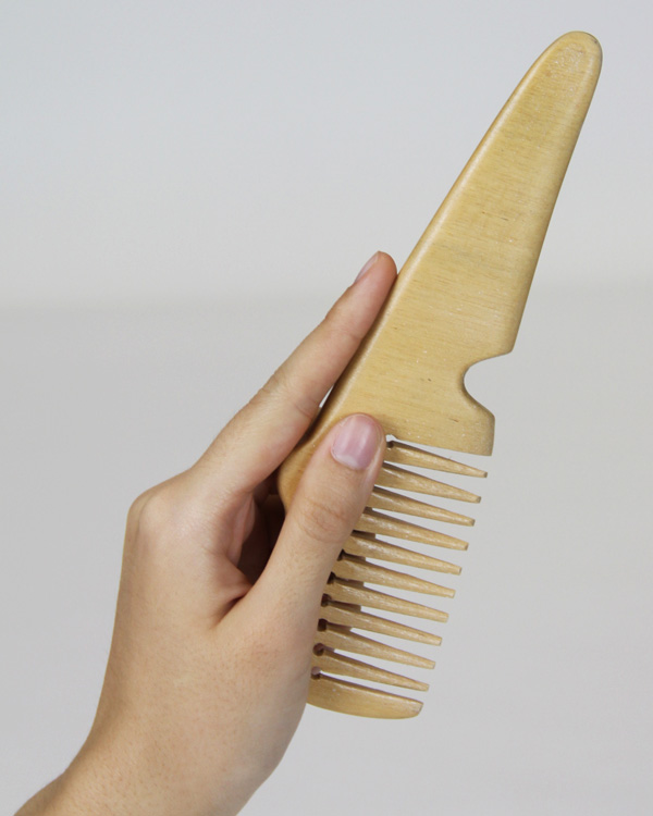 Untangled Tangles - image two_way_comb3 on http://bestdesignews.com