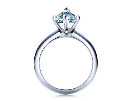 Killer Diamond Engagement Ring by Tobias Wong  e828e7394b03