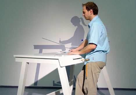 Beschwingt – Stand-up Workstation by Thomas Duster