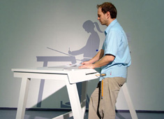 Beschwingt - Stand-up Workstation by Thomas Duster