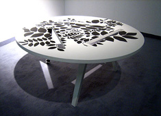 TTTisch - Hangable Table by Isabel Quiroga