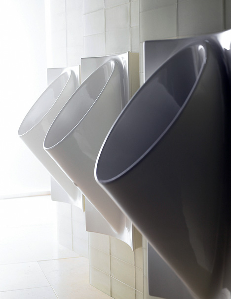 Waterless Urinal Also Eliminates Splashing