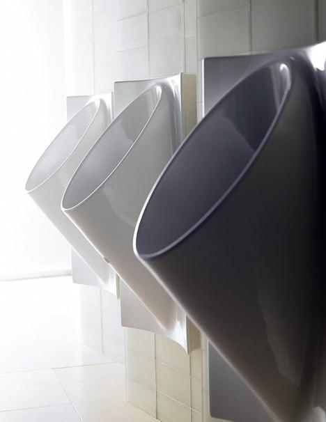 Waterless Urinal Also Eliminates Splashing