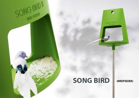 Clever Bird Feeder