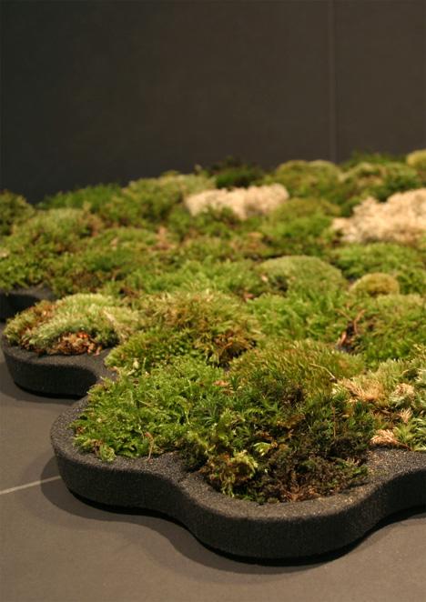 Immaculate Mini Lawn In Your Loo Yanko Design