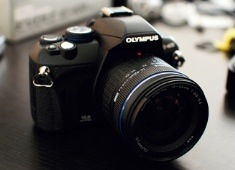 Compact SLR? Olympus E-420 Review
