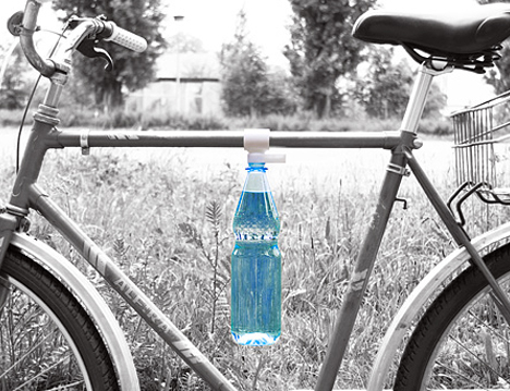 Bottle Clip by Matthias Ries 03