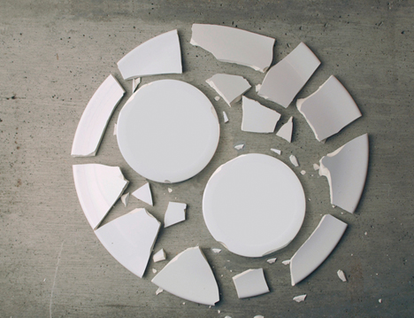 Breakable - Two Plates Result from One by Alexander Hulme 03
