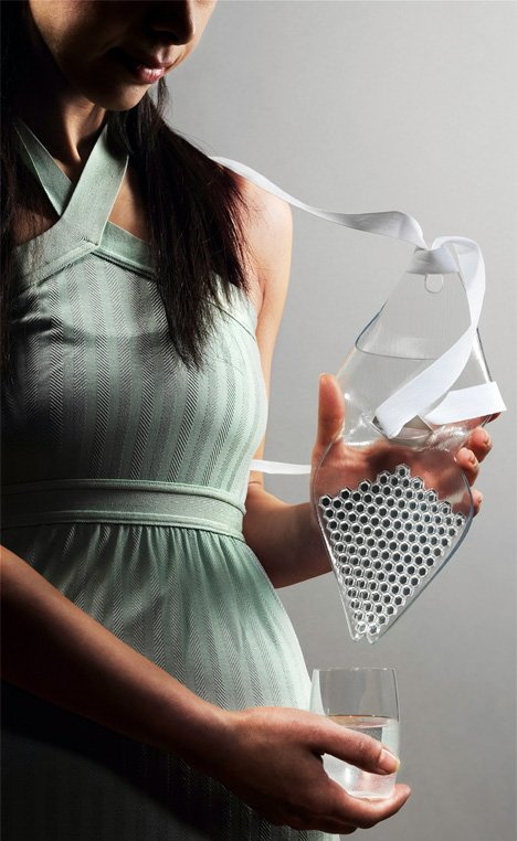 AquaIris Portable Water Purifier by Talia Radford