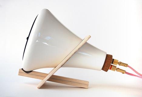 ceramic_speaker_side