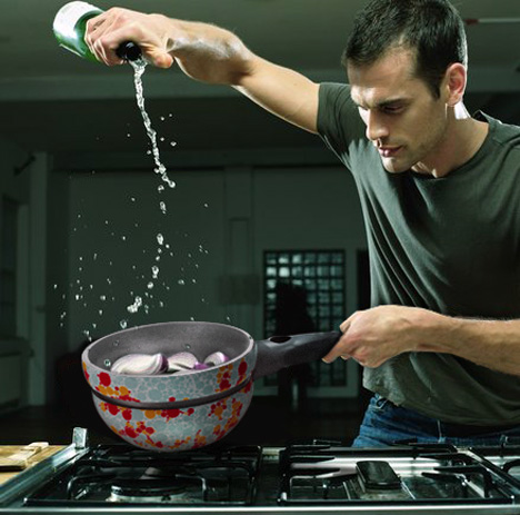 Coral Thermochromic Cook and Serve Pan by William Spiga & Juliana Martins