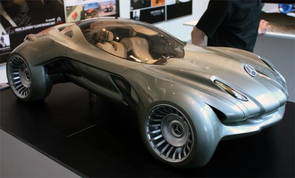 Mercedes-Benz Cyborg Sensation Vehicle C.S.V. by Derek Chik Kin Ng