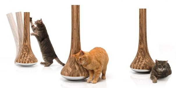 Leo cat scratching post