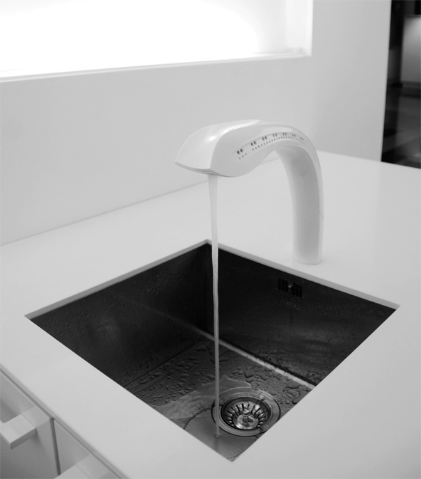 Spatial Interaction - A Touchless Kitchen Tap by Jasper Dekker