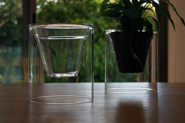 VIDA - Life Pot For Plants by Josep Armengol & Jomi Marco