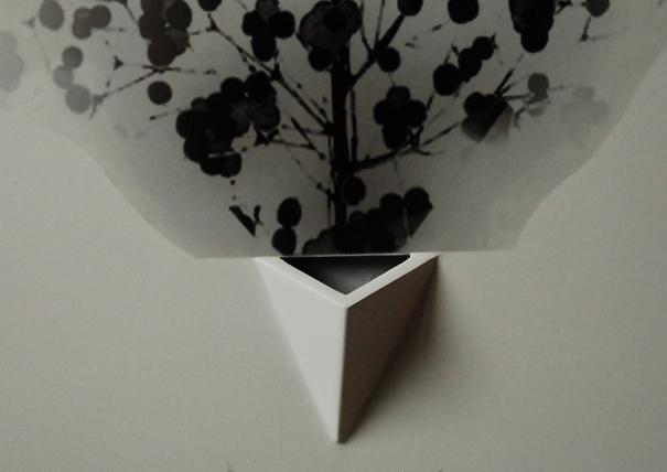 Show vase by Wu Shu-Cheng