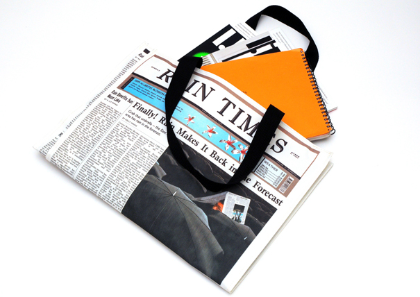 newspaper-rain-bag01