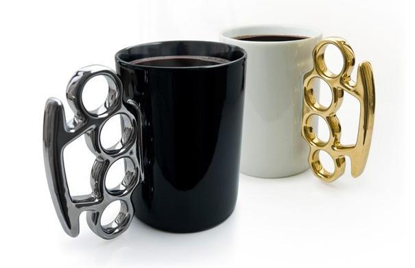coffee_store2 Из чего пить кофе: челюсть, молния, пистолет...