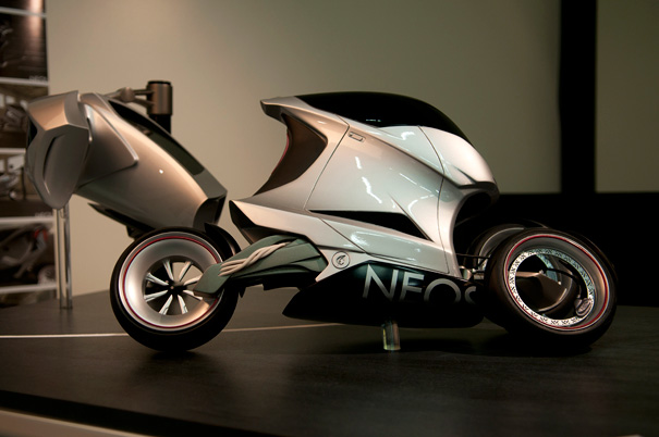 electric motorcycle enclosed - photo #31