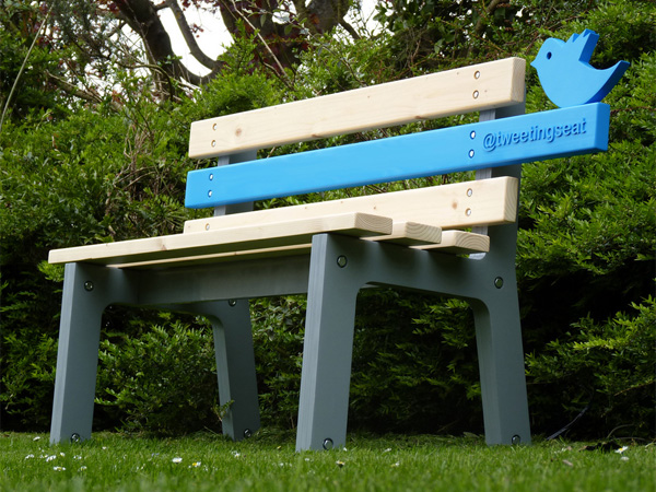 TweetingSeat – Twitter Bench by Christopher McNicholl