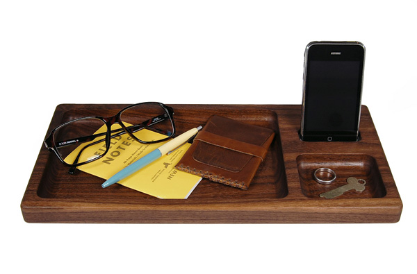 Apple Universal Dock Tray by Hekseskudd
