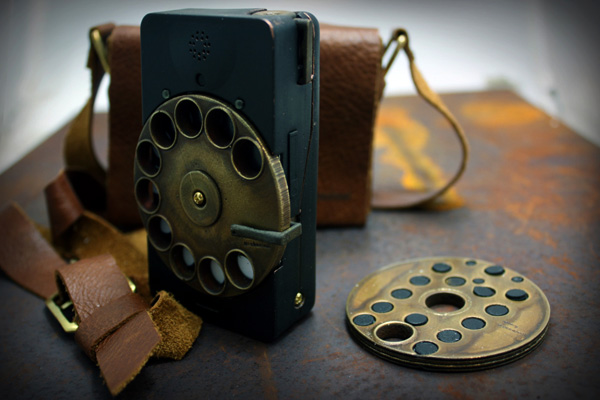[http://www.yankodesign.com/images/design_news/2011/06/16/rotary_phone2.jpg]