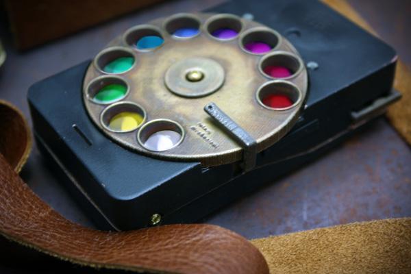 [http://www.yankodesign.com/images/design_news/2011/06/16/rotary_phone5.jpg]