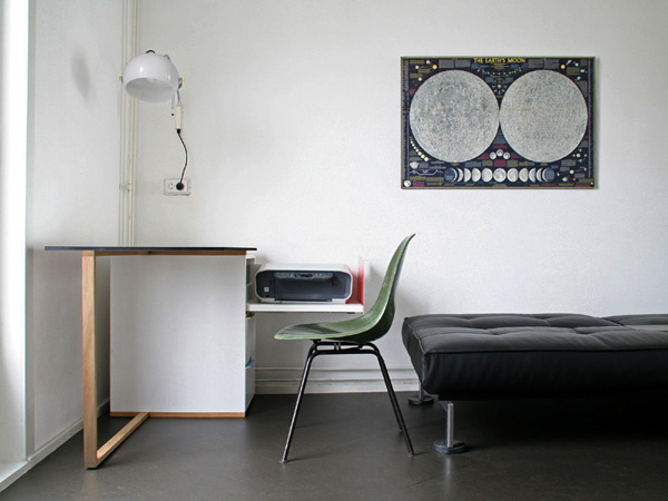 compact minimalist desk yanko design. Black Bedroom Furniture Sets. Home Design Ideas