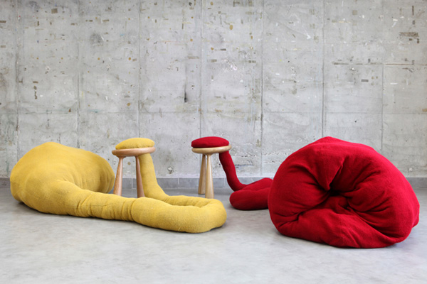 Pet Stool by Eyal Hirsh