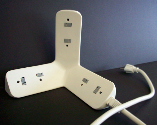 Intelligent Power Strip by Herald J. Ureña – Umaña