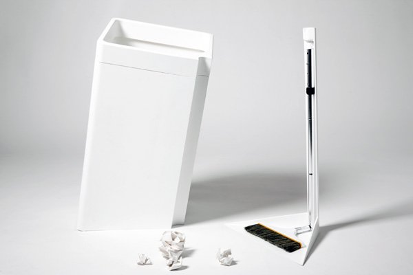 Dustpan Wastbin Combo by Hsiang Wang