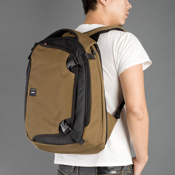 Crumpler Dry Red #5