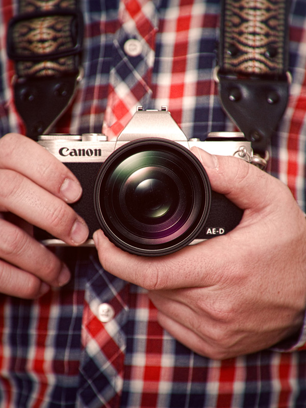 Canon Mirrorless Concept Camera by David Riesenberg