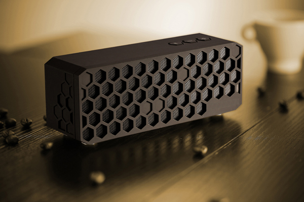 Honeycomb Bluetooth Speaker by Zhiqiang Jiang