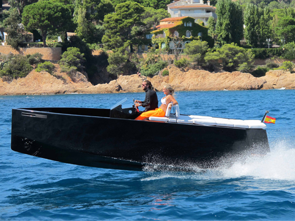 D23 - Hidden Outboard Motor Boat by Ubica