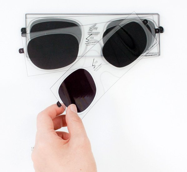 Yanko Design Top 50 – Best Of 2012 - image 49-Stix-%E2%80%93-3D-Vision-Sticker-for-Glasses-by-Lucy-Jung-Daejin-Ahn on http://bestdesignews.com