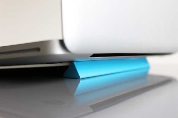 Curb Laptop Aerator by Jon Liow