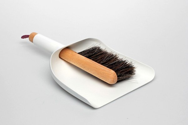 Sweeper & Dustpan Design by Jan Kochański