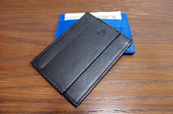Big Bulges Are Out, Try The Capsule Minimalist Wallet
