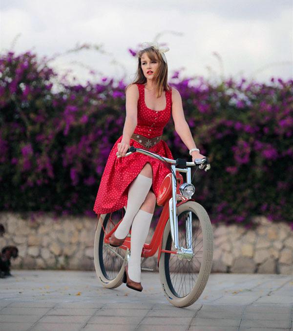 Amelie - Ladies' Bike by Andrei Avarvarii & Ema Morosan