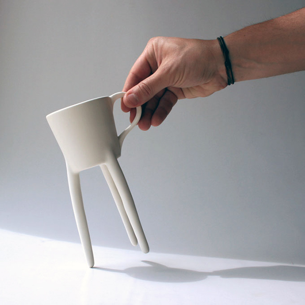 Giraffe Cup by Raúl Lázaro