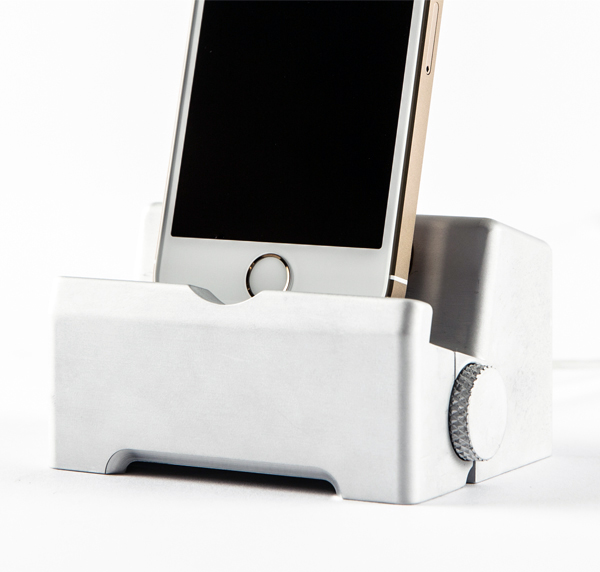 Infinity iPhone Dock by Thomas Wietecki and Zack Cram