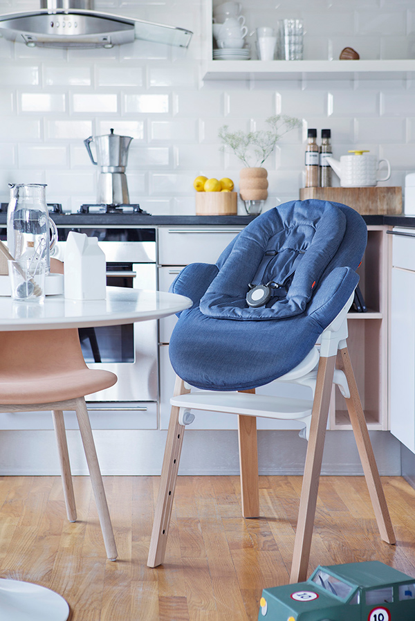 the only highchair you ll ever need yanko design. Black Bedroom Furniture Sets. Home Design Ideas