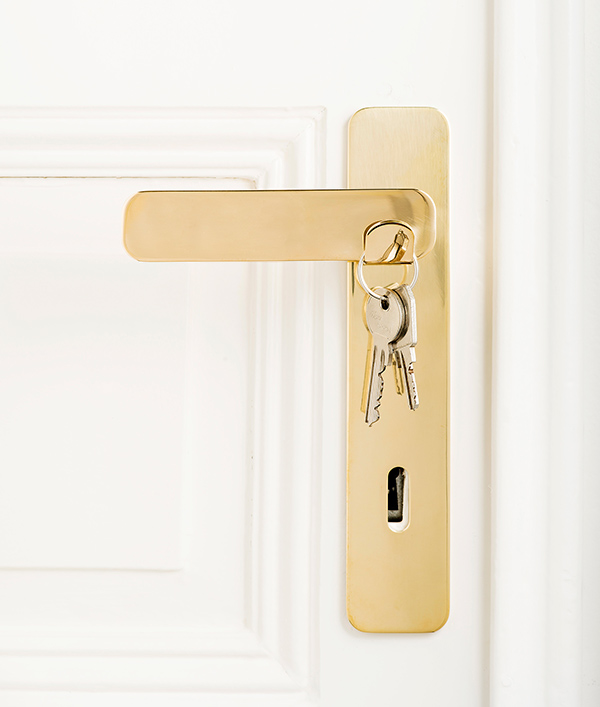 Double Door Knob Use - image tibou_05 on http://bestdesignews.com