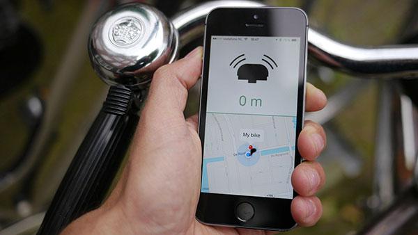 24h FROLIC: Bluetooth Bike Bell & App by Andrew Spitz & Ruben van der Vleuten