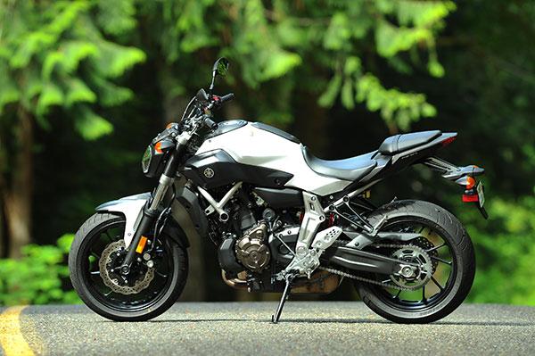 YD gets naked with the 2015 Yamaha FZ-07   Yanko Design