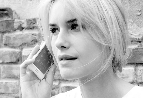 E-Ink Phone by FormNation