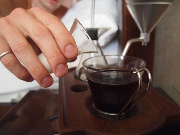 Edelstahl Kugeln sorgen für Warmwasser Kaffeemaschine Induktionswärme